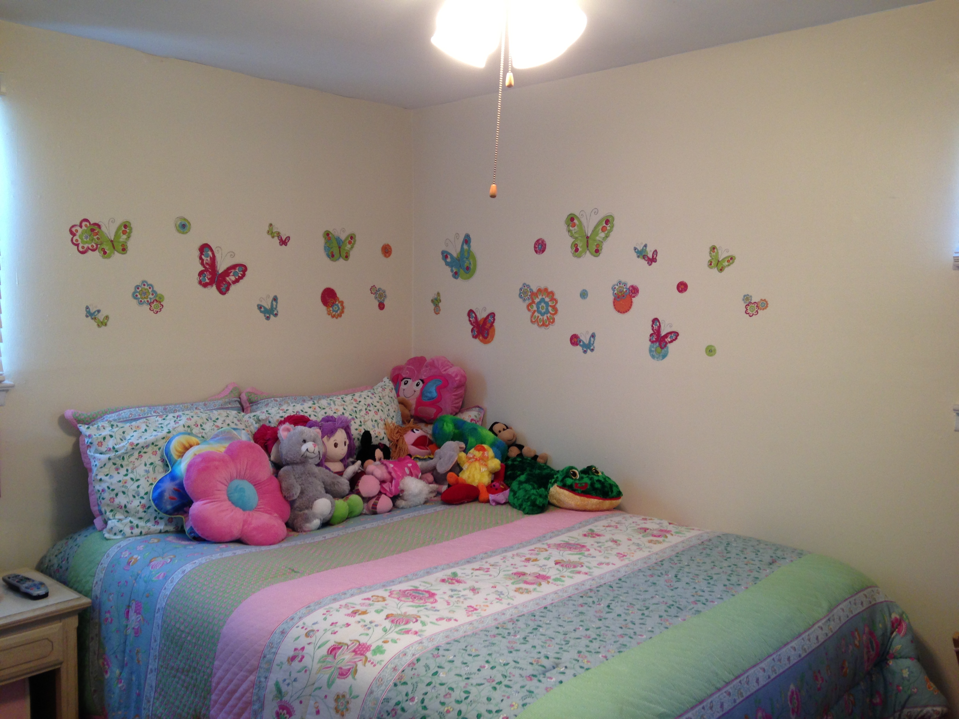 Jessica's Pretty Butterfly Bedroom! | Wall Sticker Outlet ...