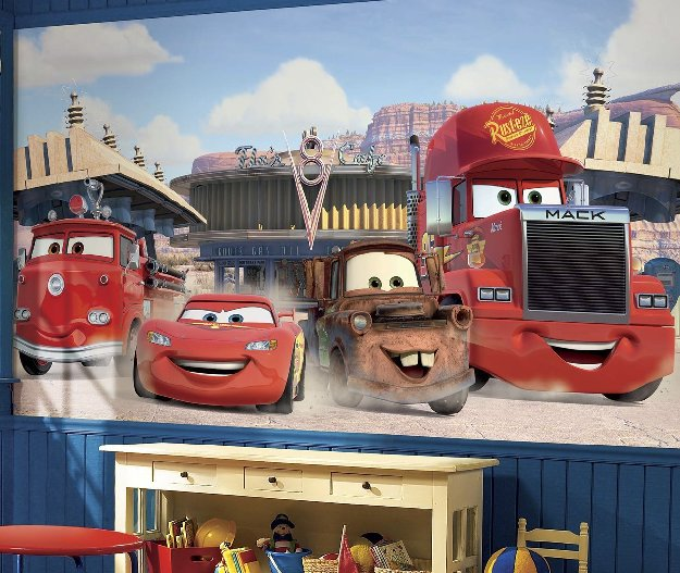 cars-friends-to-the-finish-mural