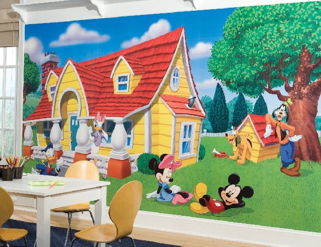mickey-friends-mural